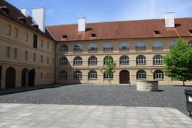 Záchrana a zpracování ohrožených negativů Historického muzea Národního muzea